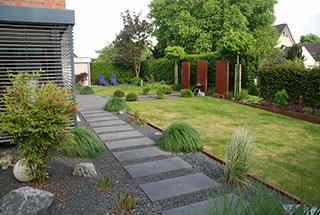 exklusiver privatgarten durch gruene hand